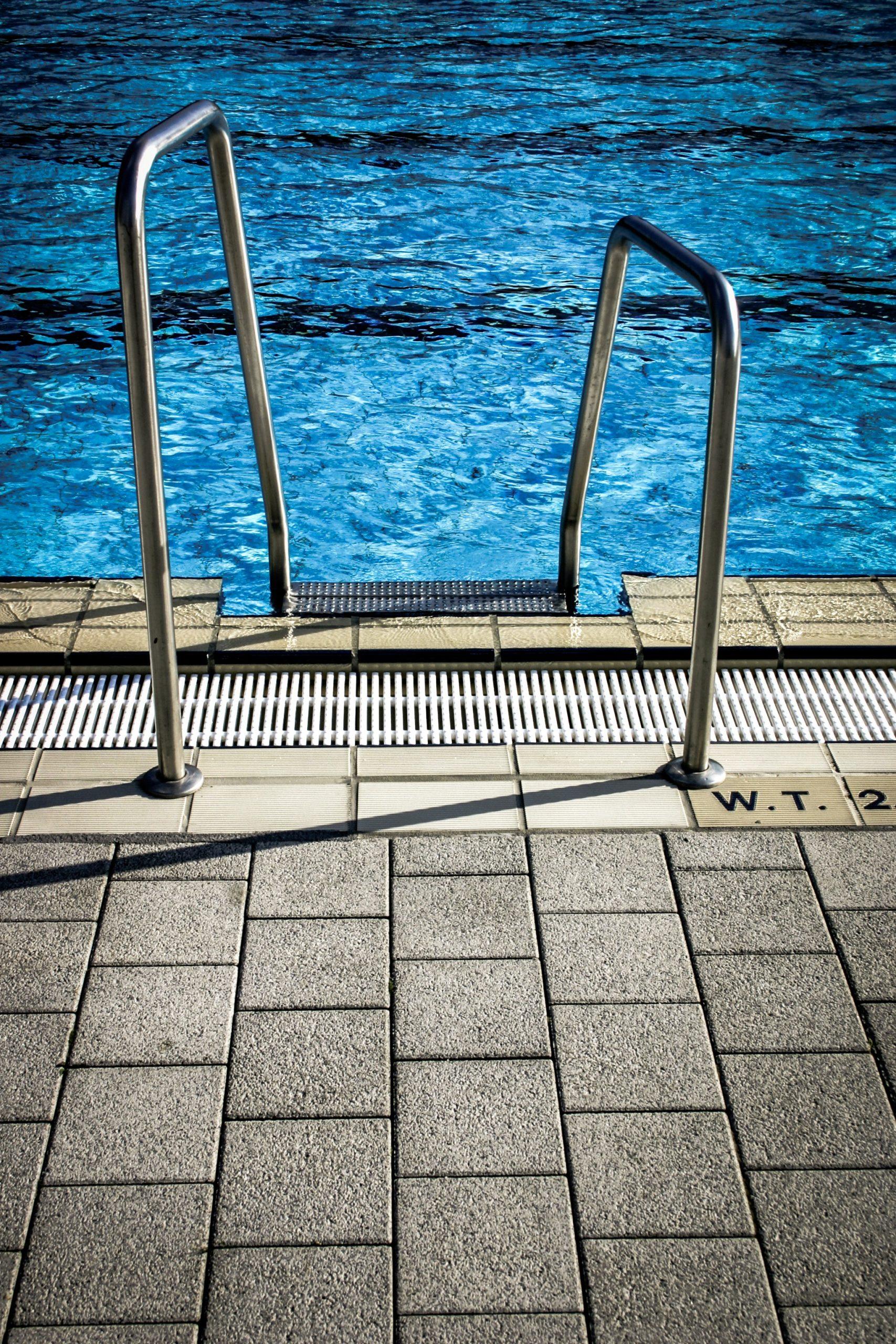 Watertafel toevoegen aan zwembad